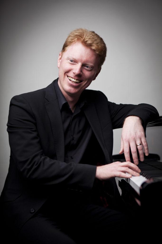 Tim Horton  piano